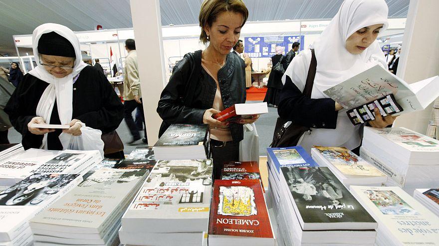 عدد زوار الصالون الدولي للكتاب بالجزائر تجاوز مليوني زائر