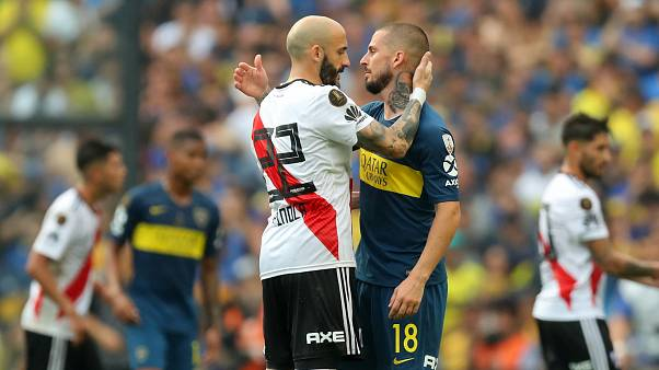 Boca e River adiam decisão na final do século para o Monumental