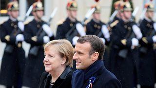Merkel ve Macron'un yükselen milliyetçiliğe karşı uyarı yaptığı foruma Trump katılmadı