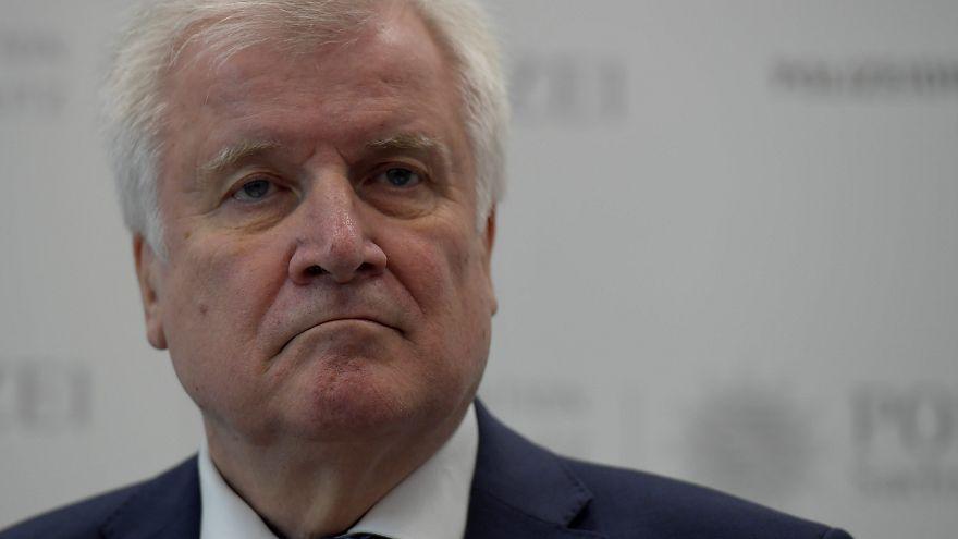 Зеехофер подтвердил, что уходит с поста председателя ХСС
