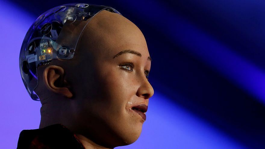 Teknoloji nereye gidiyor, insanoğlu 21.yüzyıla dayanabilecek mi? Ünlü astrofizikçi Rees cevaplıyor