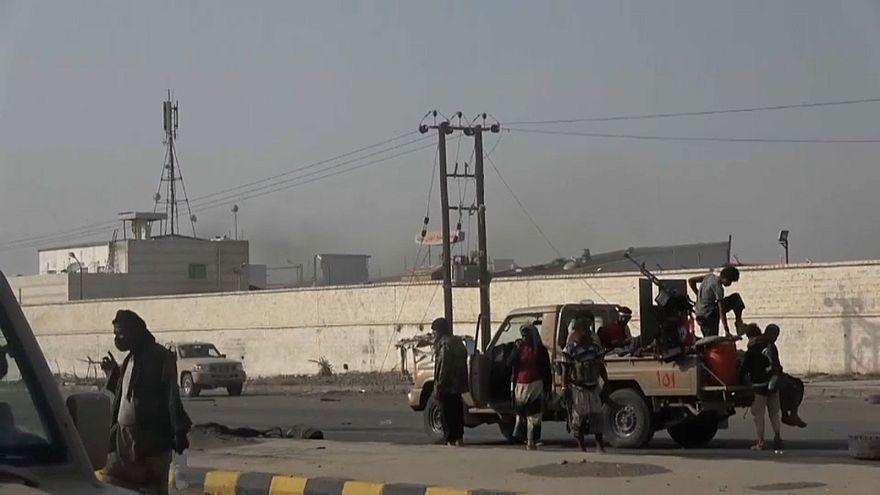 La presión internacional rebaja los combates en Al Hudeida