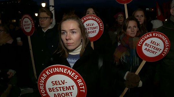 Manifestaciones en defensa de la ley del aborto en Noruega