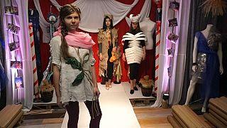 """La moda """"spazzatura"""" di Artur Brazhe"""
