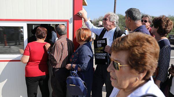 Κύπρος: Άνοιξαν δύο νέα οδοφράγματα