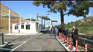 شاهد: فتح نقاط عبور جديدة بين شطري جزيرة قبرص المقسمة