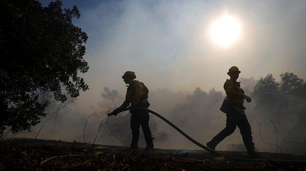 Alevlerle boğuşan Kaliforniya'da en az 56 kişi öldü, 130 kişi kayıp