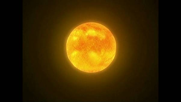 "China: ""Sol artificial"" atinge 100 milhões de graus Celsius"