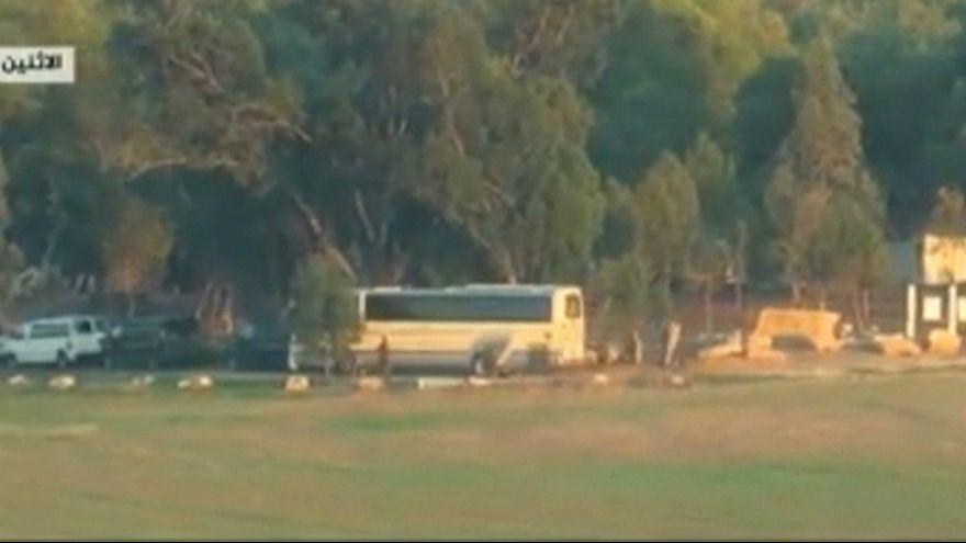 ویدیوی حمله راکتی حماس به اتوبوس نظامیان اسرائیلی