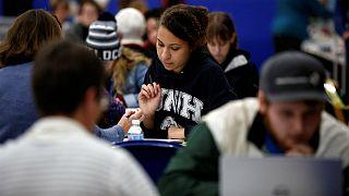 کاهش دانشجویان خارجی در دانشگاههای آمریکا؛ ترامپ مقصر است یا دلار؟