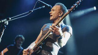 Ingyenes koncertet ad Sting és Shaggy a Hősök terén