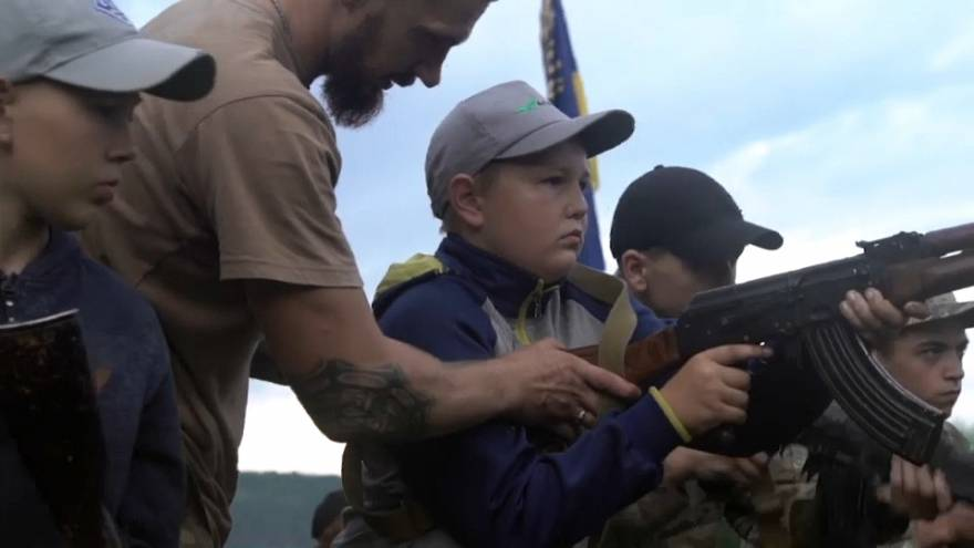 """Ukrainische Ferienlager: """"Schießt auf alle Separatisten"""""""