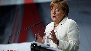 Merkel calls for European army at EU Parliament address