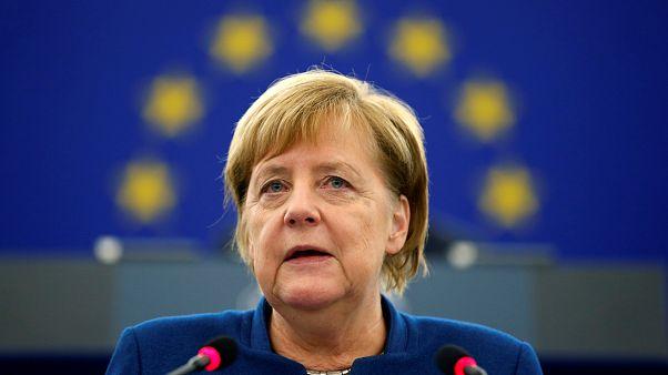 مرکل: جزئیات مالیات دیجیتال اتحادیه اروپا در ماه دسامبر اعلام میشود
