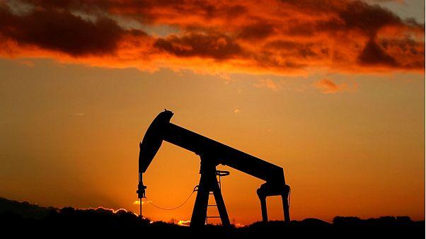 قیمت نفت در سرازیری؛ فشار مضاعف ترامپ بر دولت ایران