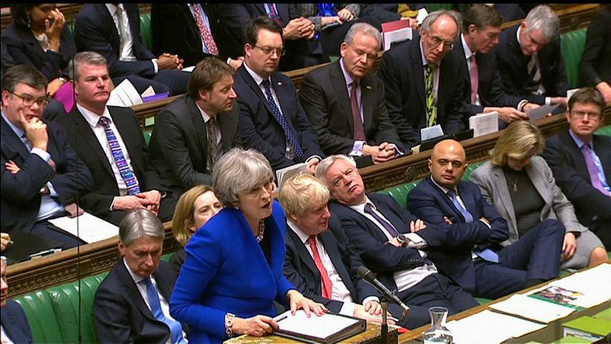 May convoca a sus ministros para presentarles el acuerdo de brexit