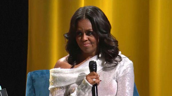 Michelle Obama lança livro de memórias