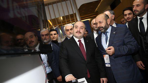 Türkiye'ye dönen bilim insanlarına aylık 24 bin TL burs verilecek