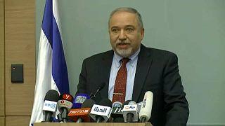 Bejelentette lemondását az izraeli védelmi miniszter