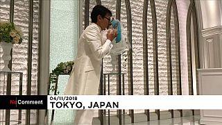 """Un Japonais """"se marie"""" avec une femme virtuelle"""