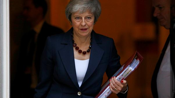 Britische Regierung berät den Deal-Entwurf