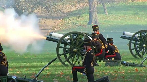 شاهد: 41 طلقة مدفعية تحية للأمير تشارلز في عيد ميلاده السبعين