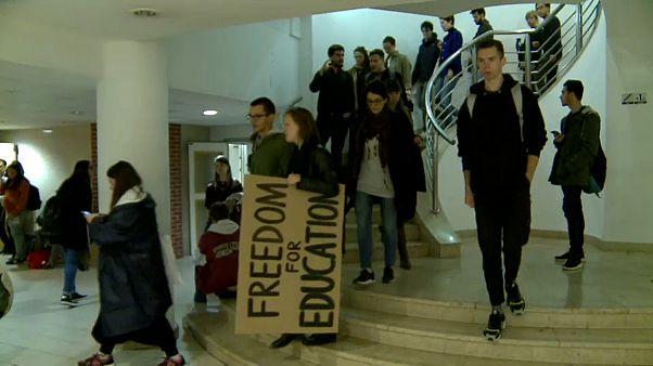 Greve contra fim dos cursos de Estudos de Género na Hungria