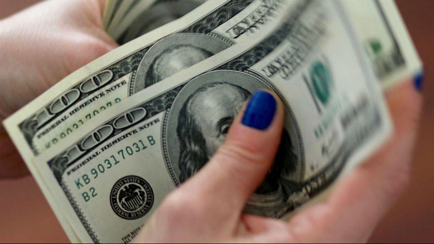 دلار و سکه در سراشیبی؛ نرخ ارز به یک ماه گذشته برگشت