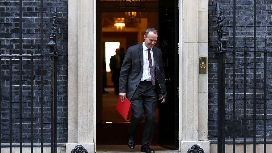 Brexit: demissões em série no Governo britânico