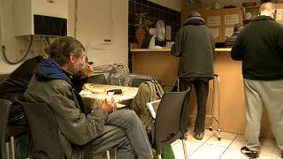 Több hajléktalan ment a szállókra