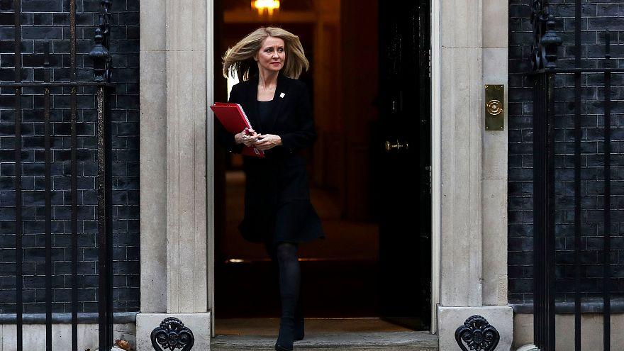 Regierungskrise in Großbritannien: Mehrere Minister treten zurück