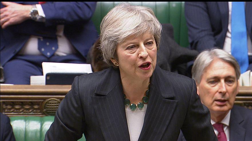 Crónica de la crisis de Gobierno de May por el borrador de acuerdo del Brexit