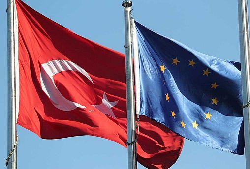 Yolsuzluk, baskı, hak ihlalleri: AP Dış İlişkiler Komitesi Türkiye raporunu kabul etti