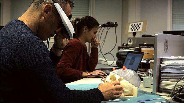 فناوری واقعیت افزوده تحولی بزرگ در اتاق عمل جراحی ایجاد میکند