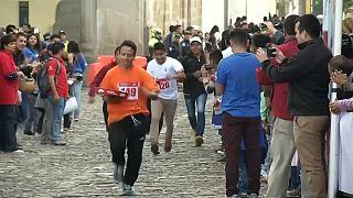 Serveurs sprinteurs au Guatemala
