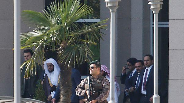 النائب العام السعودي سعود العجب يخرج من القصر العدلي في اسطنبول 30-10-2018