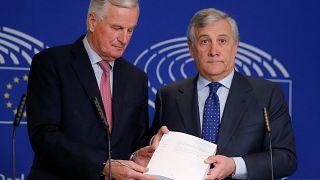 Βρυξέλλες: Ικανοποίηση από τη συμφωνία για το brexit