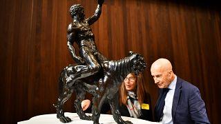 Esculturas em bronze atribuídas a Miguel Ângelo
