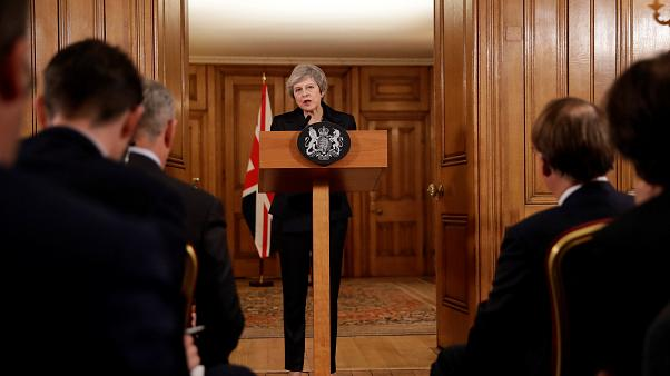 Brexit : Theresa May entre démissions et rébellion