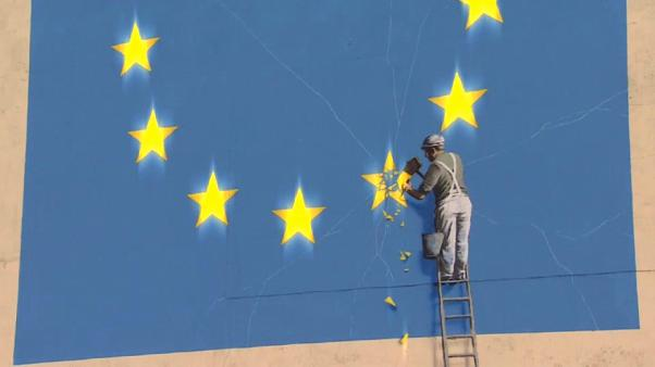 El acuerdo de Brexit pone a Theresa May en la cuerda floja