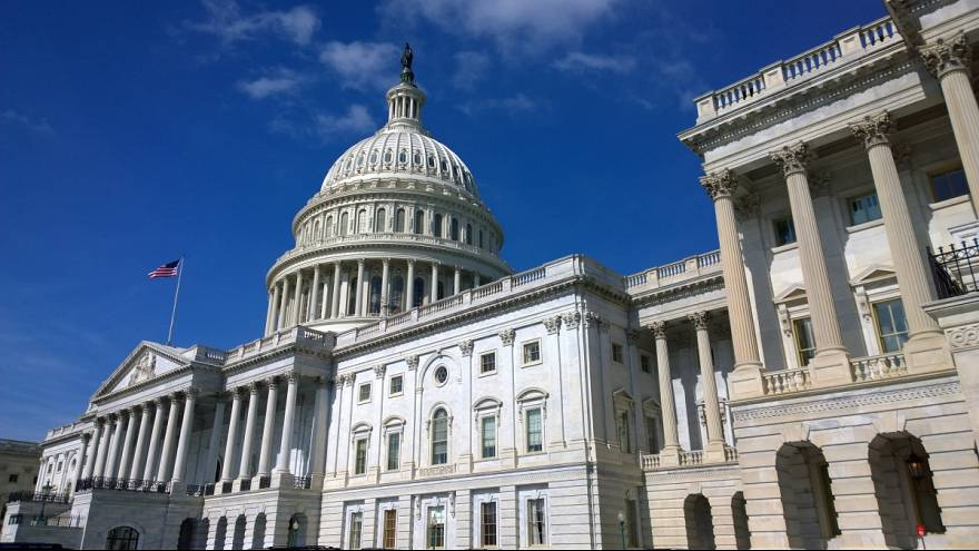 ABD'li senatörler Suudi Arabistan'a silah satışını durduran yasa tasarısını sundu