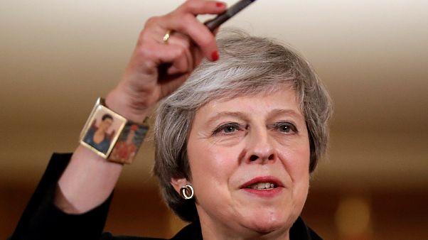 May explica acordo para o Brexit na rádio