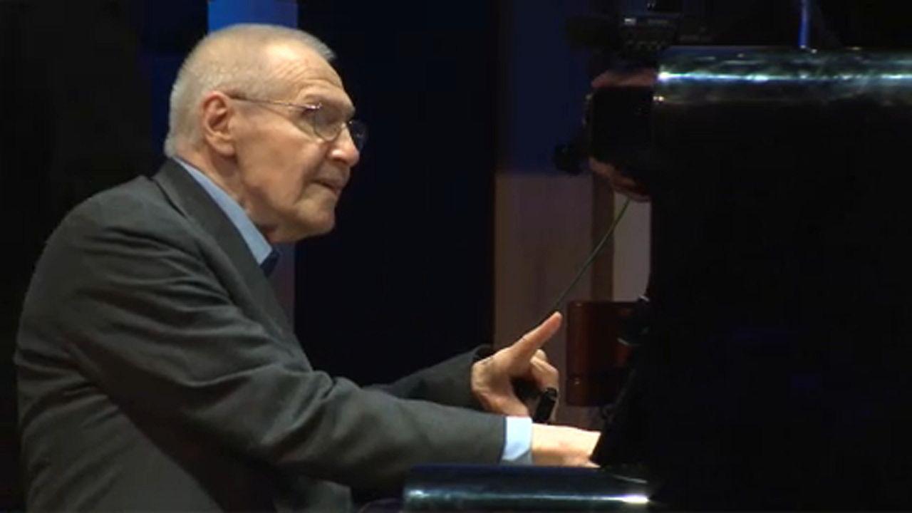 Hatalmas siker Kurtág operája a milánói Scalában