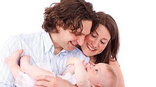 دراسة: نمو مخ الرضع ربما لا يعتمد على النوم طوال الليل