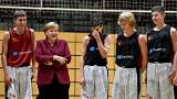 Besser spät als nie? Merkel stellt sich Kritikern in Chemnitz