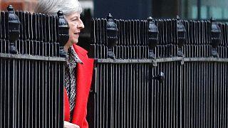 La Brexit di Theresa May tra l'incudine e il martello