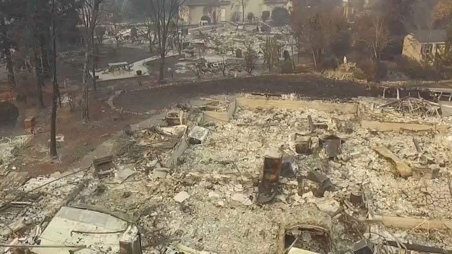 Verbrannte Erde: Aufnahmen der kalifornischen Feuerkatastrophe