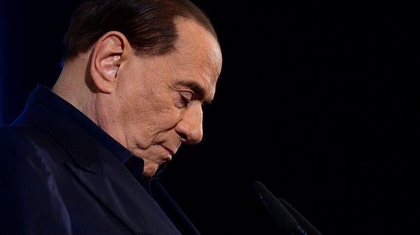 Berlusconi'ye fuhuş davalarında yalancı şahit için rüşvet suçlaması
