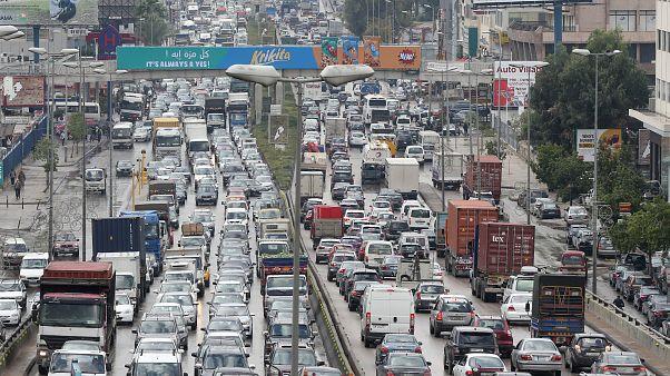 إغلاق جادة واحدة كفيل بتحويل بيروت وضواحيها إلى موقف للسيارات