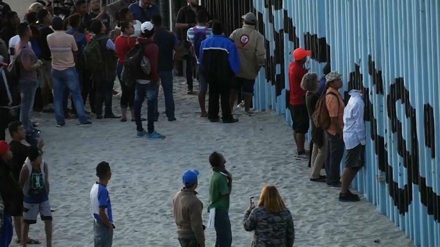"""В Тихуане """"каравану мигрантов"""" не рады"""